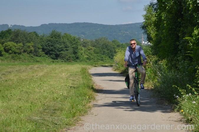 Cyclig along the Rhine (8)